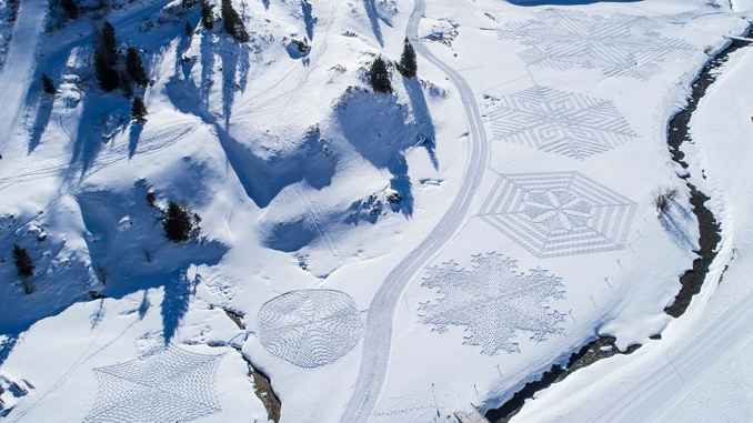 THE SNOW ARTIST