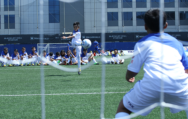 KIDS BENEFIT FROM YKK-REAL MADRID FOUNDATION FOOTBALL CLINICS