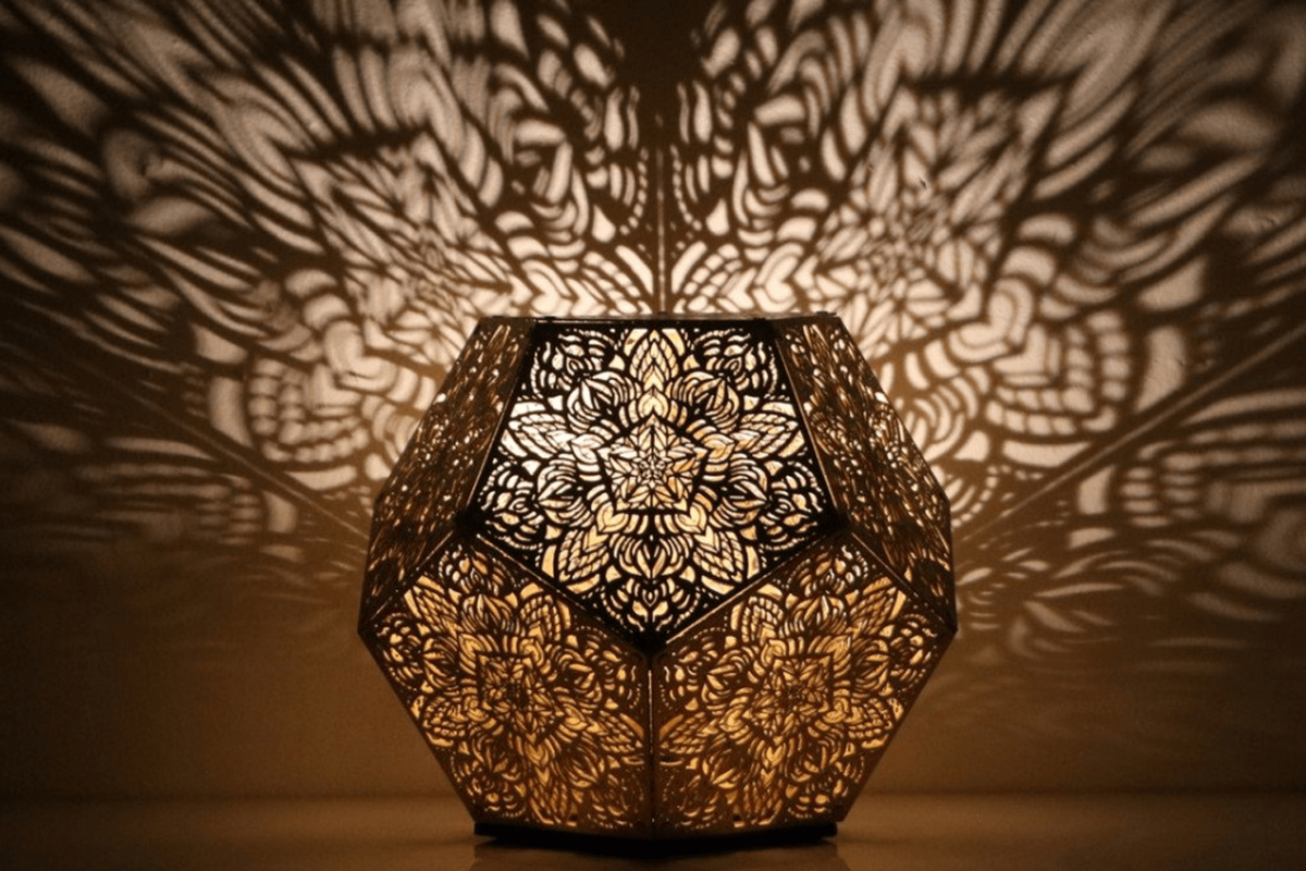 A HYPNOTIZING LAMP