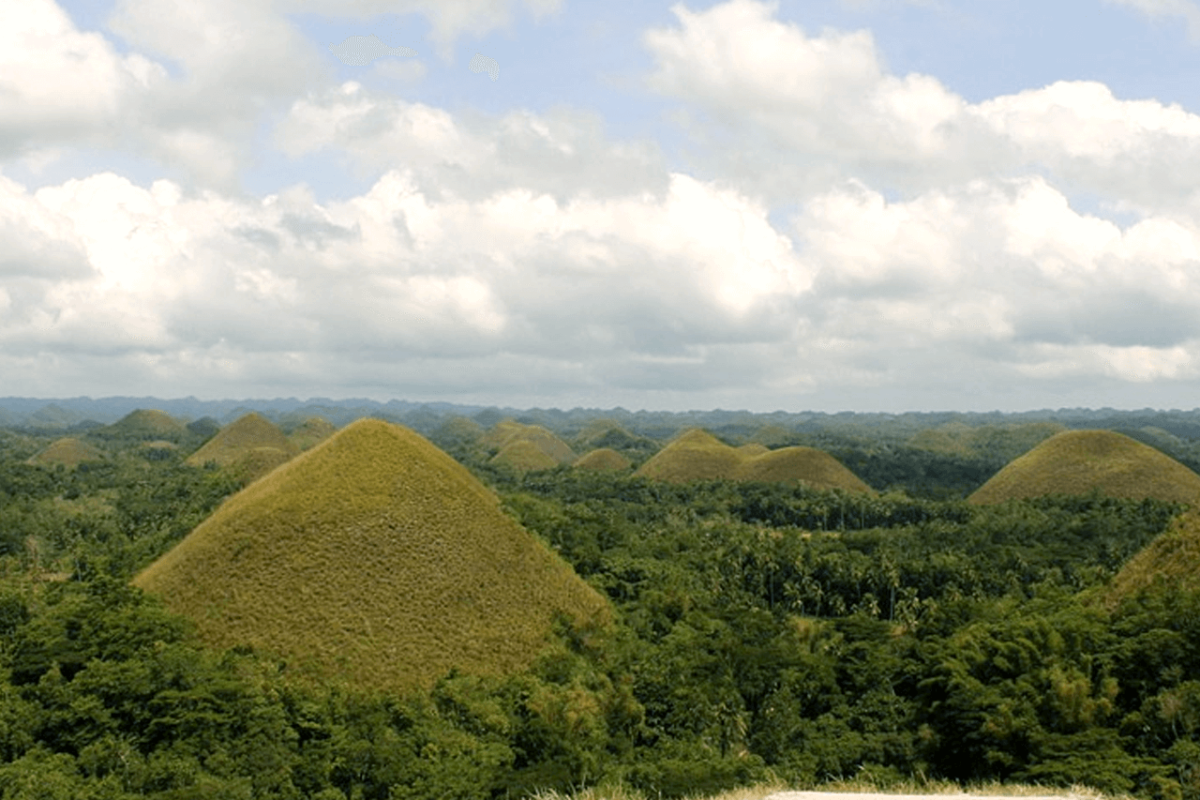 CHOCOLATE HILLS: AN EXPANSE OF OTHERWORLDLY CONES