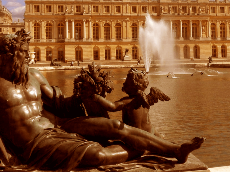 THE SECRETS OF VERSAILLES